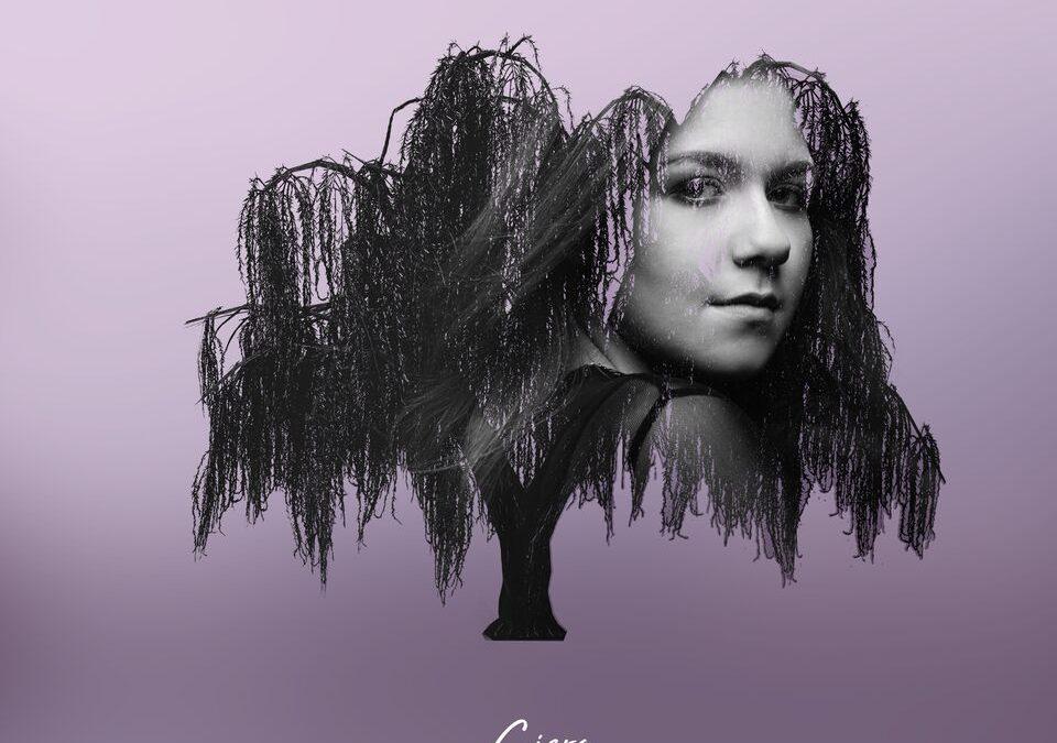 "Ciera MacKenzie Releases Debut Single, ""Weeping Willow"""