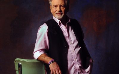 """Larry Gatlin Takes Reins as Special """"House Guest DJ"""" on SiriusXM's """"Willie's Roadhouse"""""""