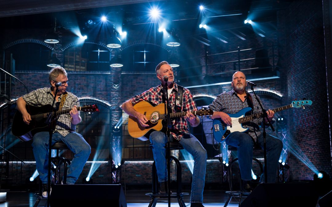 "Darryl Worley Performs ""Have You Forgotten"" on this Weekend's Edition of 'Huckabee'"