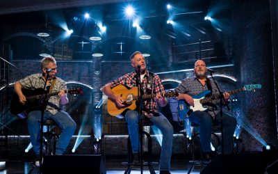 """Darryl Worley Performs """"Have You Forgotten"""" on this Weekend's Edition of 'Huckabee'"""