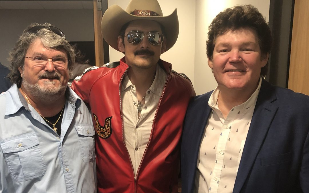 "Shenandoah Performs with Brad Paisley at '80s ""Dance Party to End Alz"""