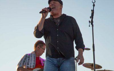 Collin Raye Lifts Spirits, Helps Stimulate Economy at Utah Concert